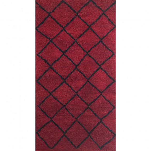 Tapis berbère rouge losange noir